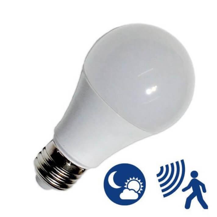 Bombilla LED con sensor de 7W E27